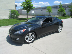 2010 Hyundai Genesis, Auto, 2door Only 112000km, Leather,Sunroof