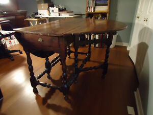 Antique William and Mary Table Kingston Kingston Area image 6