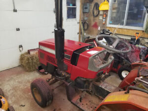 Case ih 235 tractor. Trade!