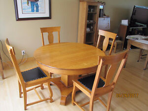 Quarter Cut Oak Dining Table