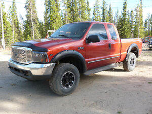Loaded! 2000 Ford F-250 Lariat 4x4!