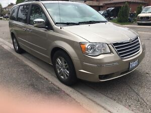 2008 Chrysler Town & Country Limited Minivan,