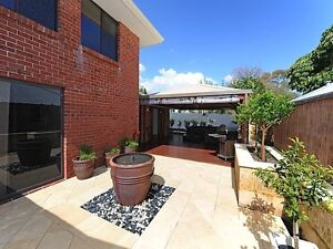 Bicton sharehouse looking for a 4th housemate Bicton Melville Area Preview