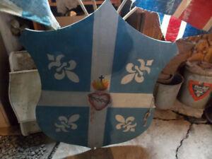 Ancien porte-drapeau fleurdelysé