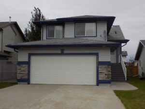 Immaculate Home available for Immediate posession!