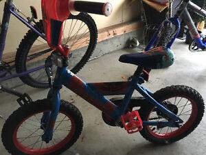 """14"""" Spider-Man bike with training wheels"""