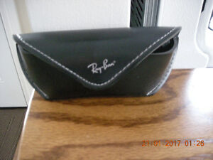 Ray Ban New Wayfarer made in Italy rb2132 Mint Condition