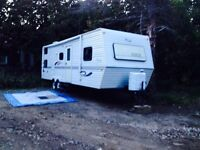 31ft Jayco eagle with 13' slide out!