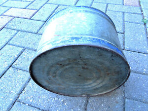 Oil can, Vintage oil can. London Ontario image 5