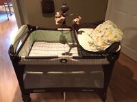 Graco Pack N' Play Playard play pen excellent condition