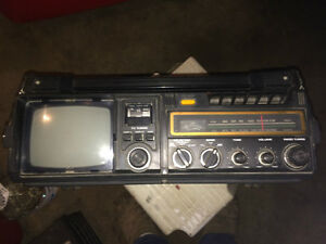 Portable TV, Cassette, Radio AC/DC/Batteries