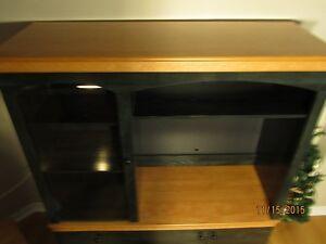 Meuble en 2 sections beau bon pas cher et très propre. Gatineau Ottawa / Gatineau Area image 3