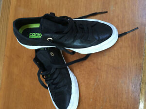 Ladies size 7 Converse shoes (new) for sale