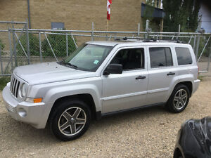 2009 Jeep Patriot Limted SUV,162000 km finanace available clean