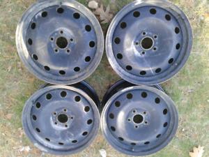 "17"" Hyundai Steel Wheels"