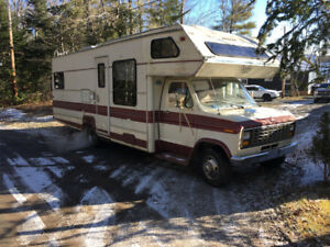 1990 ford motorhome 28 ft  runs great
