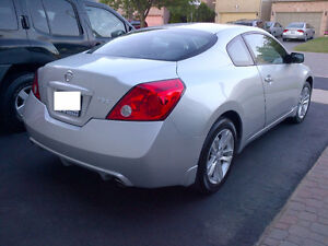 2010 Nissan Altima 2.5S Coupe Leather, Sunroof