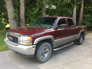 2002 GMC Sierra 2500 Pickup Truck