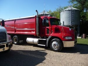 2009 Mack Autoshift Grain Truck