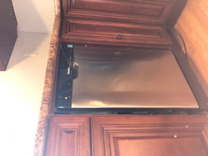 """18"""" Dishwahser- Not working, good for parts"""