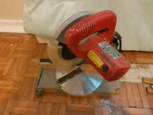 Mini mitre saw 100 bucks