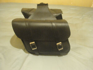 LEATHER SADDLEBAGS  DYNA/SPORSTER