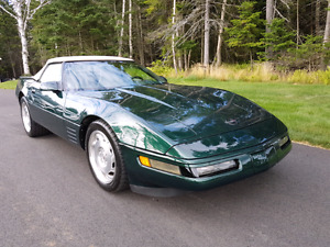 1994 CORVETTE CONVERTIBLE W/ ONLY 60,000 KMS