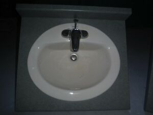 Bathroom Vanity Top with sink & Faucets