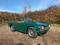 1963 Triumph TR4 Convertible *British racing green, wire wheels*