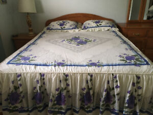 Queen size Bed cover (new)