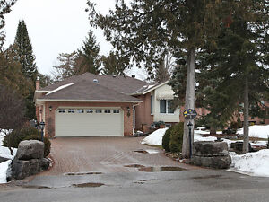 5 Patricia Place, Bobcaygeon-Located on Port 32