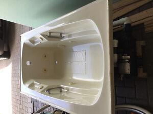 Elliot Lake- hydro-jet whirlpool tub