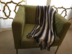 MOVING SALE -MODERN LOUNGE CHAIR   THROW FOR SALE - MUST GO ASAP