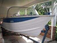 18' ALUMINUM RUNABOUT & 105 HP CHRYSER OUTBOARD
