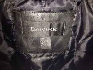 * Men's Leather Coat for Sale! * Peterborough Peterborough Area image 3
