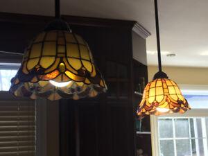 3 Luminaires à vendre.  2 Pour  îlot et 1 pour salle dîner (1)