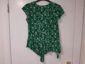 Pretty Topshop blouse size 8