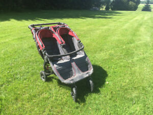 Poussette double Baby Jogger City Mini GT Rouge/Grise (négo)