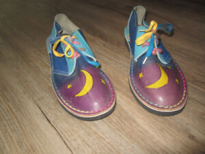 shoes, size 39 (71/2-8), never worn