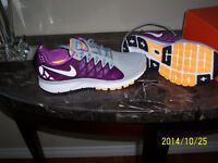 WOMANS NIKE VOMERO 9 NEW