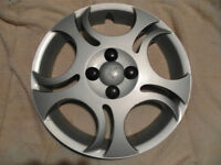 SATURN plastic Wheel Cover - 14 in.
