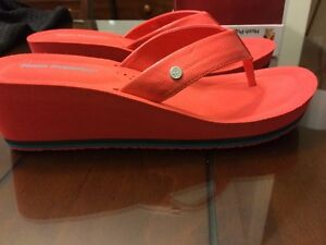 Neuf sandale Hush Puppies taille 12 femme rouge light