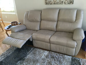 Sofa kijiji free classifieds in calgary find a job for Sofa bed kijiji calgary