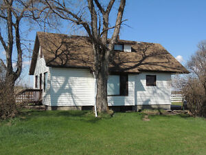 Heated Barn/Shop and House on Acreage - Stettler/Delburne Close