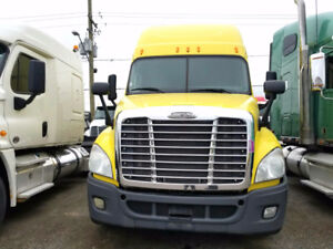 2014 FREIGHTLINER CASCADIA EVOLUTION, DD15, LOW KMS