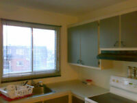Longueuil - spacious 41/2 $ 625 / month