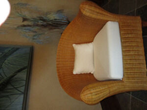 INDOOR WICKER BARREL CHAIR