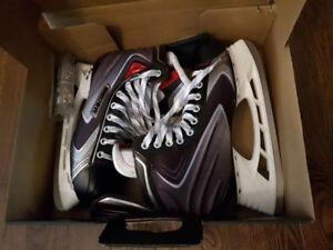 Bauer vapor ice hockey skates - size 10.5