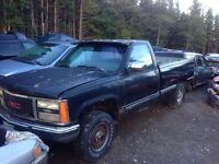 Parting out 1990 chev halfton with good box!!!