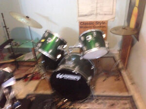 drum set with pearl foot pedal